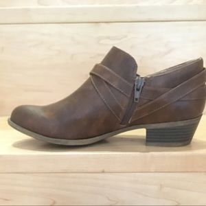Brown booties size 8.5M